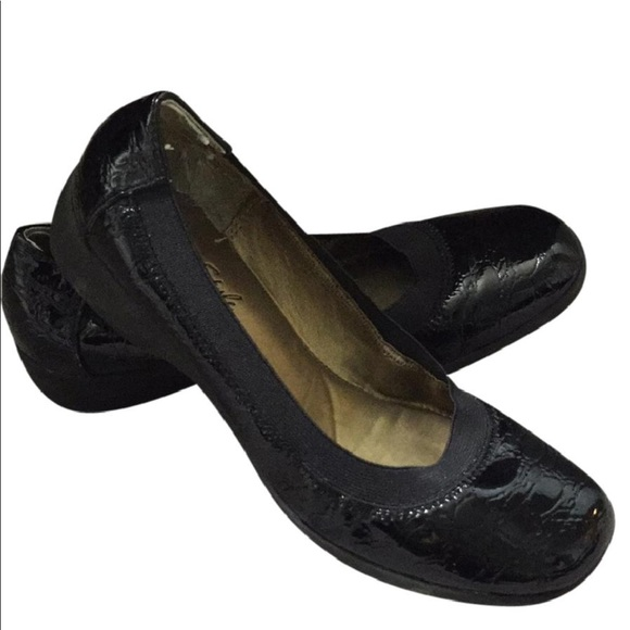 Hush Puppies Patent Leather Croc Rubber